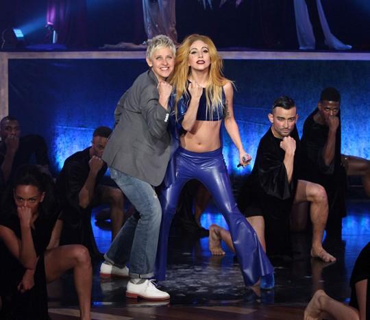 lady gaga judas live. Lady Gaga has premiered her